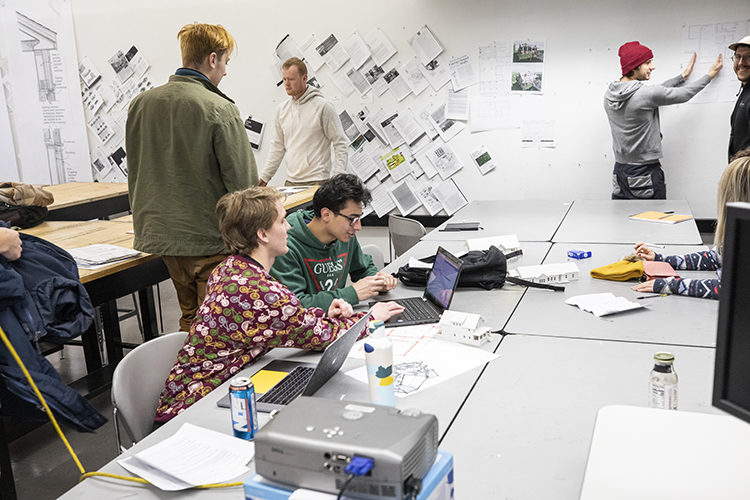 Students at UWM, UW-Madison team up for success in creating zero-energy houses