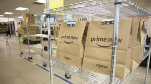 Amazon hiring hundreds in Milwaukee area, offering $1,000 hiring bonuses in Kenosha 
